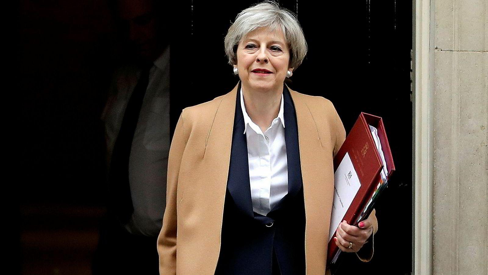 Britene må forberede hjemlig opinion på at det vil måtte komme institusjonelle løsninger som vil begrense det nasjonale selvstyret. Det har statsminister Theresa May i liten grad gjort så langt.