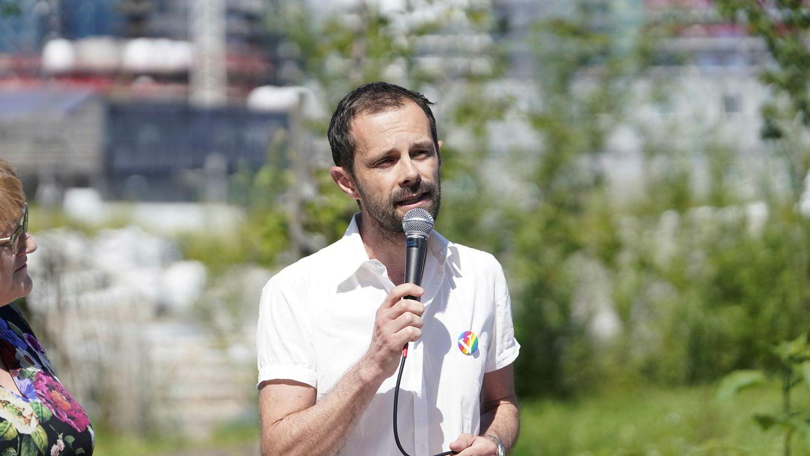 Venstre vil sette prisene kraftig opp i bomringen i rushtiden og ser for seg en takst på 40–50 kroner, ifølge Hallstein Bjercke, som er partiets førstekandidat i Oslo.