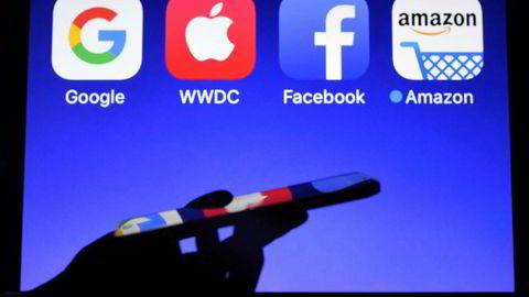 Myndighetene i USA skal etterforske flere av teknologigigantene.