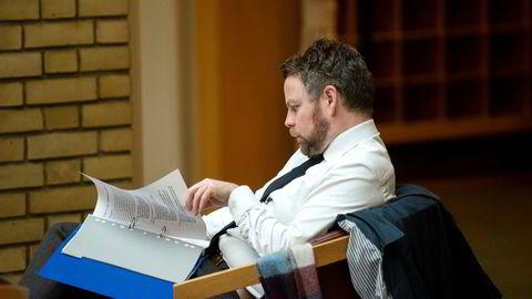 Næringsminister Torbjørn Røe Isaksen søker mer detaljert kunnskap om formuesskattens virkninger. Uansett har hans regjering programfestet at den skal ned.