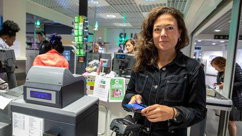 Vipps kommer snart med en løsning for mobilbetaling som kan brukes i alle butikker, sier kommunikasjonssjef Hanne Kjærnes.