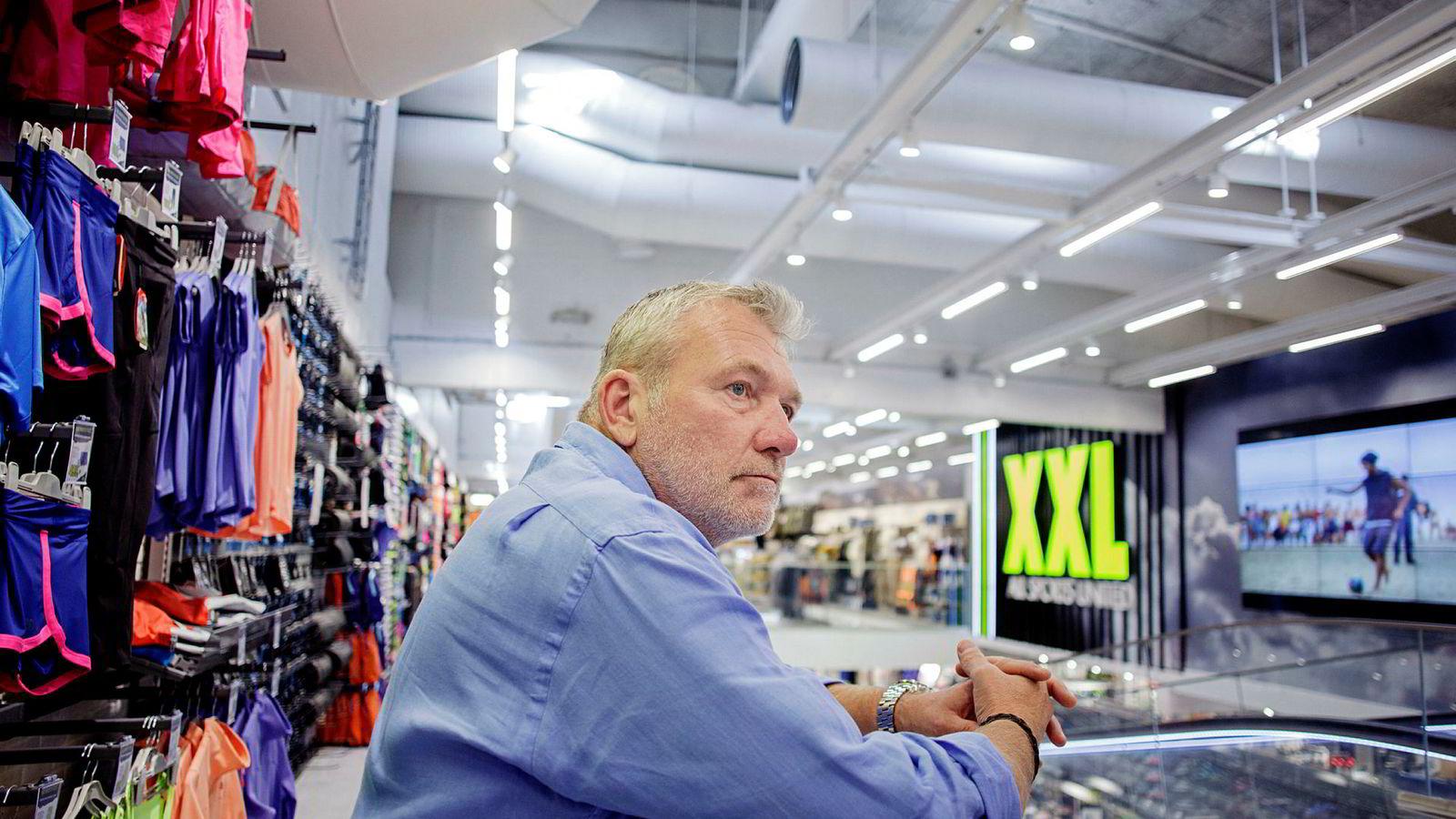 XXL har hatt et år fullt av skandaleoppslag, blant annet om det XXL-sjef Øivind Tidemandsen beskriver som en «vinnerkultur ute av kontroll». Nå avslører tidligere selgerledere systematisk prisjuks i sportsutstyrkjeden.