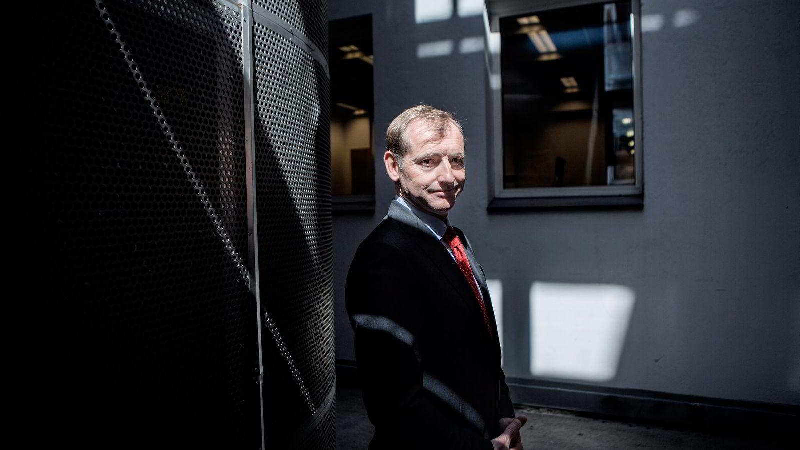 Administrerende direktør Carl O. Geving i Norges Eiendomsmeglerforbund mener boligspekulanter driver prisene oppover. Foto: Fredrik Bjerknes