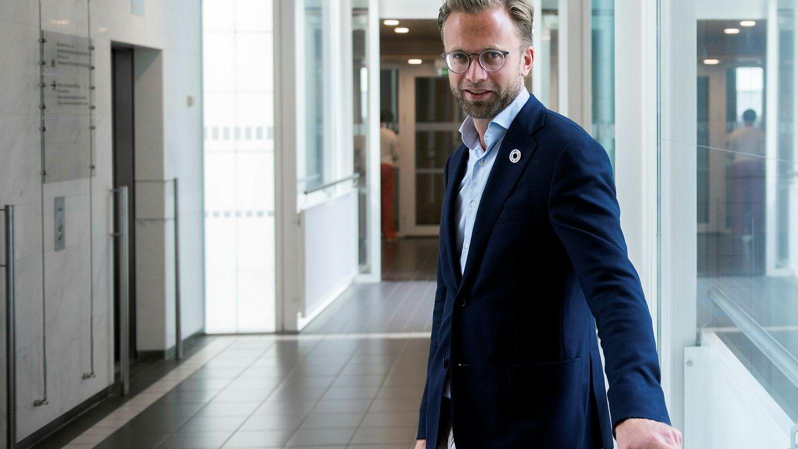 Regjeringen og digitaliseringsminister Nikolai Astrup er i ferd med å utarbeide en strategi for kunstig intelligens. Vi trenger en plan for å håndtere utfordringene kunstig intelligens bringer med seg.