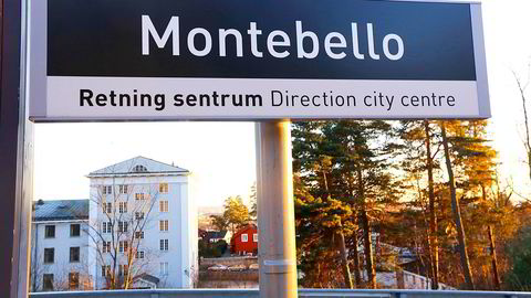 Behovet for asylmottak er stort. Oslo kommune har ikke siste ord når det kommer til hvor de skal bygges. Det jobbes på spreng på Rådhuset etter at UDI ba Oslo finne mottaksplasser til 3000 asylsøkere. Tomter både på Voksenjordet ved Hovseter og på Montebello er aktuelle. Bildet: Montebello. Rett ved Montebello T-banestasjon har private eiere og Hero inngått en intensjonsavtale med UDI om å etablere inntil 1000 plasser for asylsøkere. Foto: Rolf Øhman/NTB Scanpix