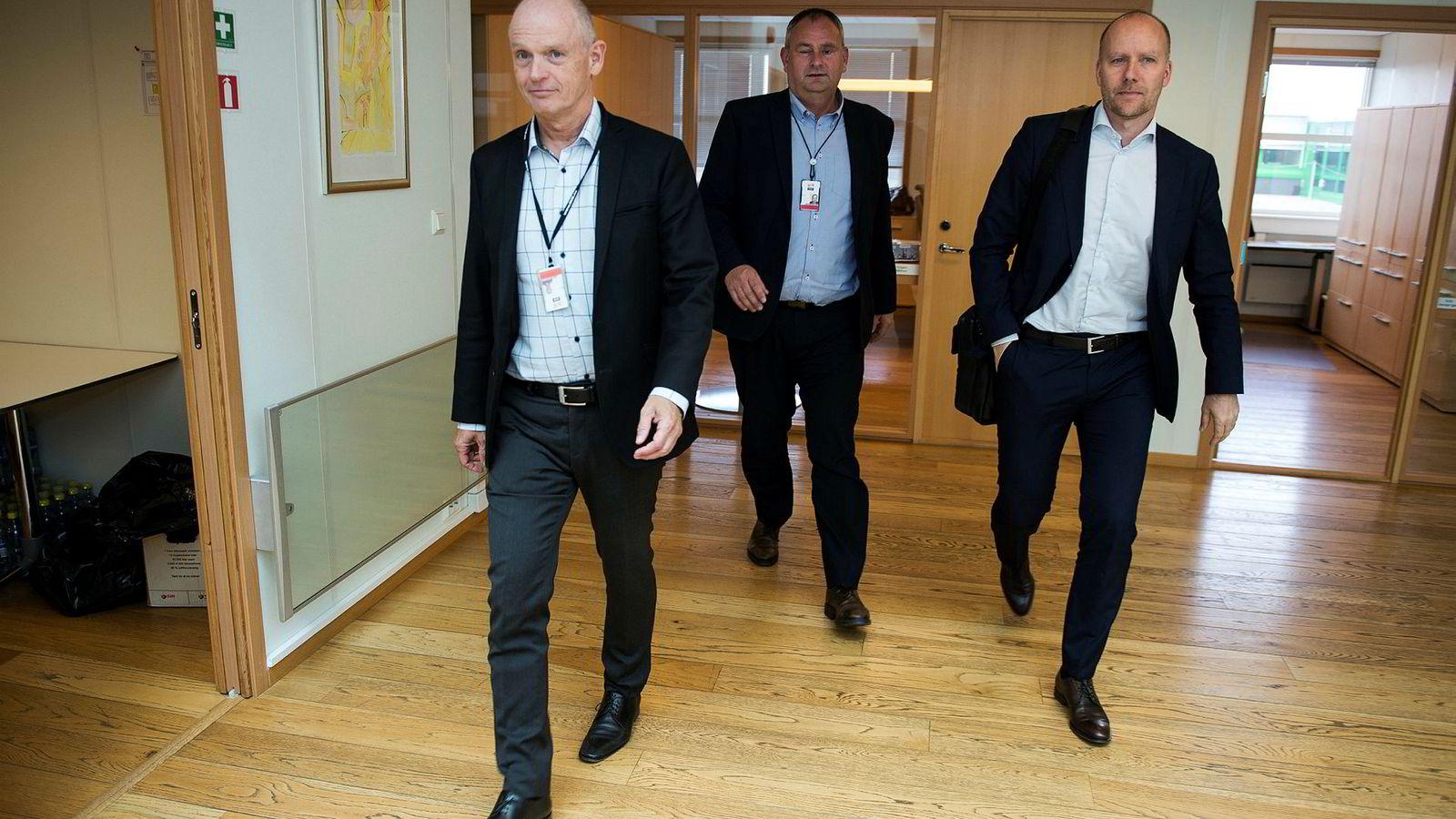 Det er full fart igjen hos Ståle Kyllingstad og IKM. Nå har han nettopp fått en ny storkontrakt med Kjetel Digre (til høyre) og Aker BP. Det gjør at landsjef Vidar Haugland i IKM Testing må ansette flere.