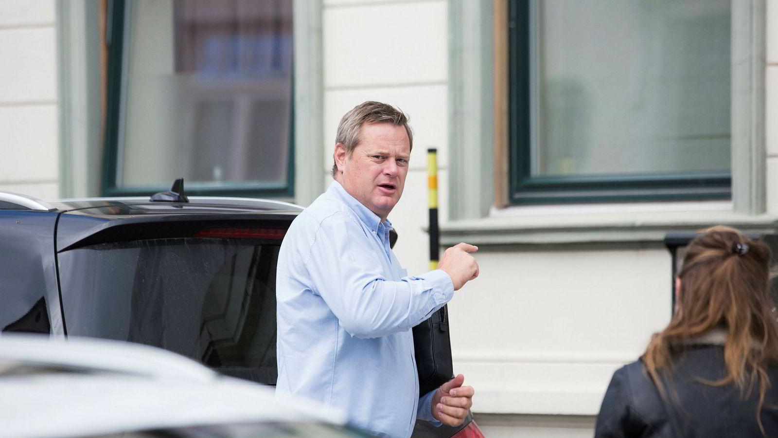 Einar Aas beholder huset i Grimstad, som verdsettes til 20 millioner kroner i avtalen.