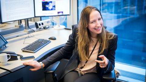 Sjeføkonom Kjersti Haugland i DNB Markets mener en overraskelse på oppsiden i amerikansk lønnsvekst kan sende dollar og amerikanske renter høyere - som typisk sender aksjemarkedet ned.