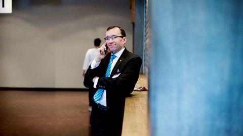 Arbeiderpartiets klimapolitiske talsmann Espen Barth Eide kritiserer KrF og regjeringspartiene for å skape uklarhet om satsing på karbonfangst og -lagring.