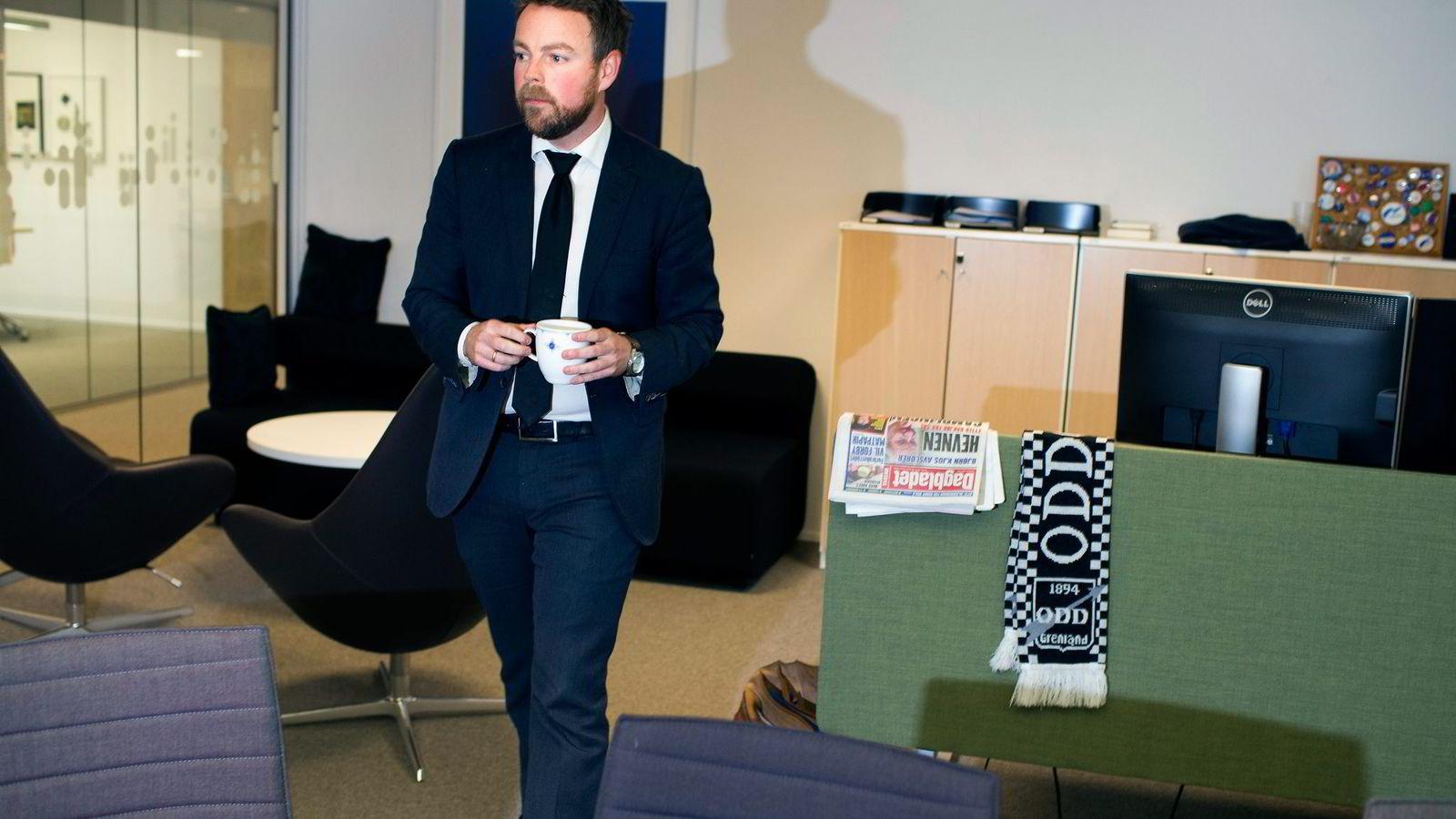 – Vi driver skriftlig saksbehandling, og tar ikke muntlige beslutninger over bordet, sier kunnskapsminister Torbjørn Røe Isaksen. Foto: Fredrik Solstad