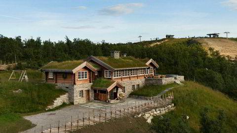 Denne 319 kvadratmeter store hytta på Kikut på Geilo legges snart ut for salg med en prislapp på 25 millioner kroner. – Vi har hatt en del salg av dyre hytter i høst, sier eiendomsmegler Christian Haatuft.