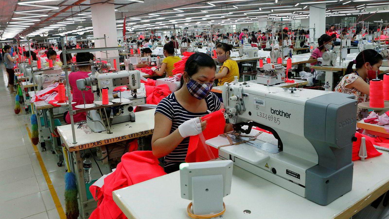 Vietnams tekstilindustri har gode dager etter at USAs president Donald Trump hevet tollen på import av kinesiske tekstilvarer.