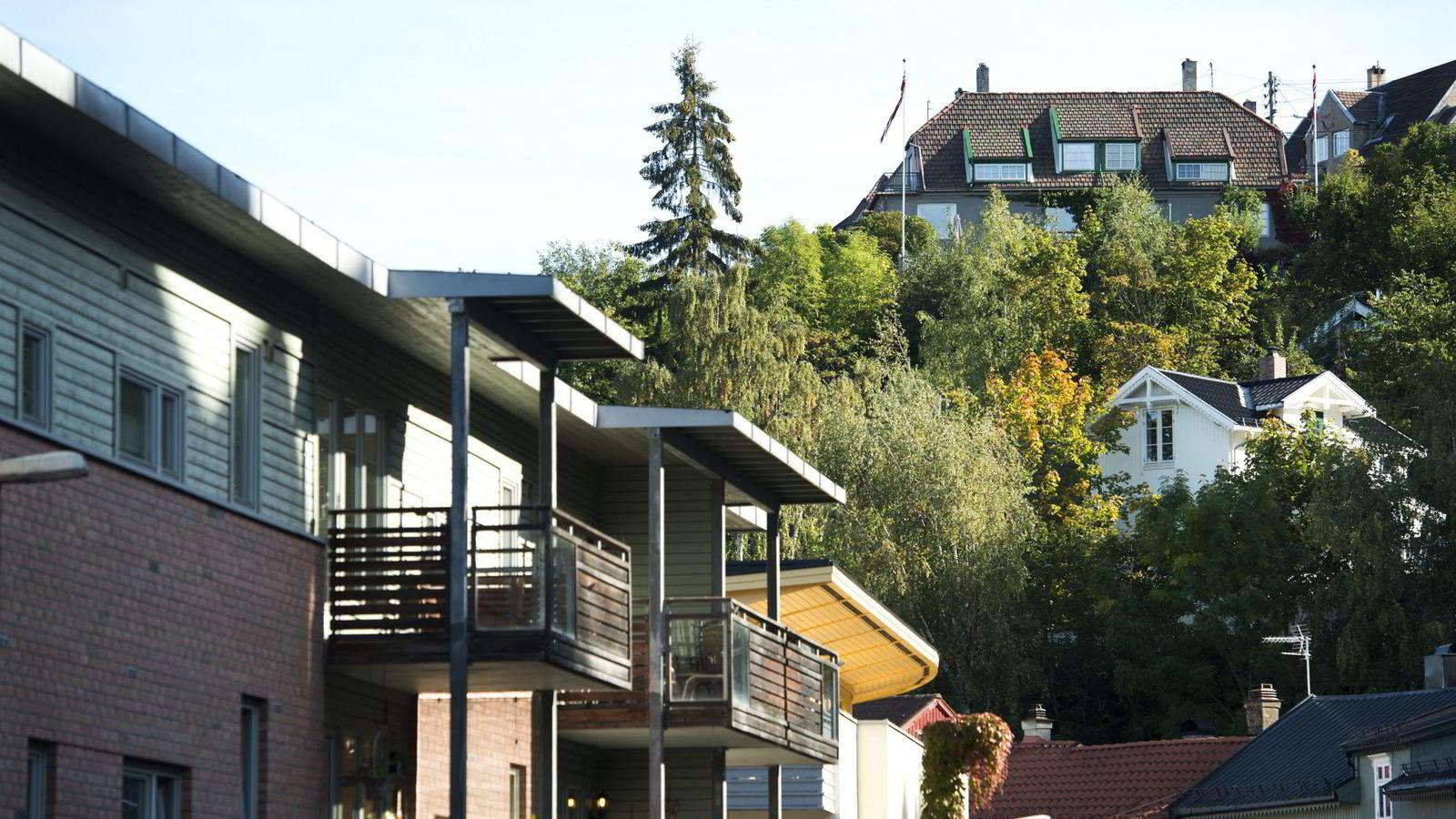 Veksttakten i leilighetsprisene i Oslo har siden mars ifjor vært betydelig høyere enn veksttakten i eneboligprisene.