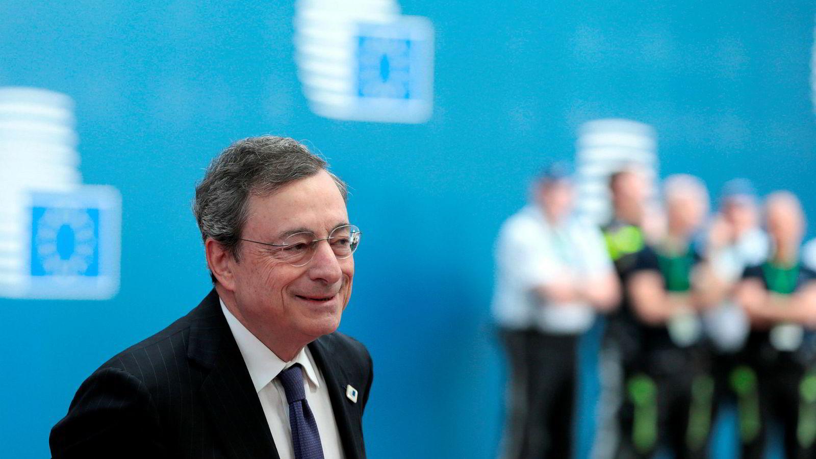 Den europeiske sentralbanksjefen Mario Draghi skal snart gå av, men en av de siste tingene han gjør kan bli å kutte renten.