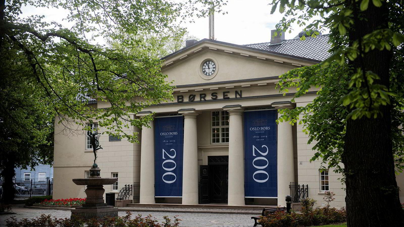 Oslo Børs, som feirer 200 år i 2019, her fotografert en vårdag i mai.
