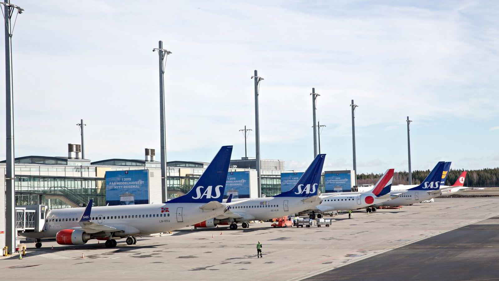 TV 2 ansatte er gode kunder for flyselskapene som flyr mellom Gardermoen og Flesland. Foto: Aleksander Nordahl