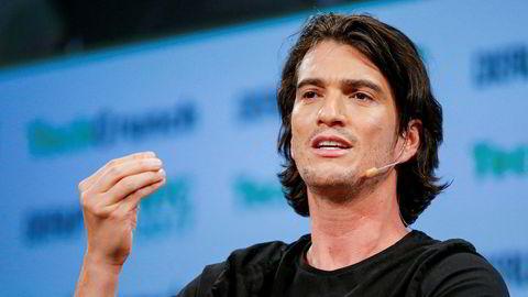 Entreprenør Adam Neumann, som er grunnlegger av det som har vært verdens mest verdifulle oppstartsselskap, WeWork, har lagt børsnoteringen på is. Investorer er kritiske til selskapets forretningsmodell – og Neumann.