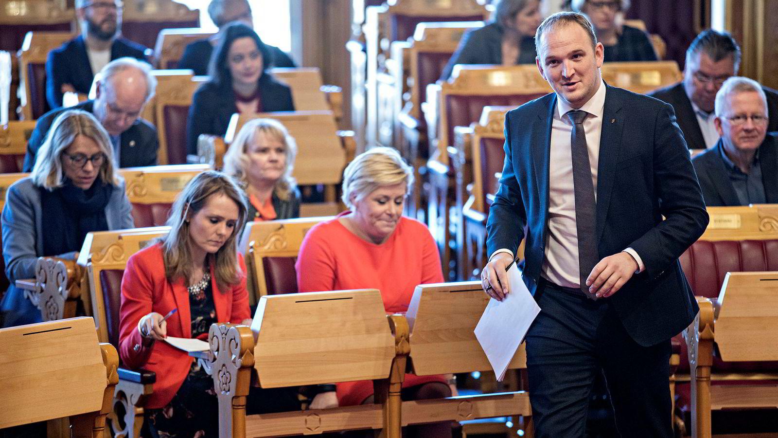 Han er faglært som kjøttskjærer. Onsdag gikk landbruks- og matminister Jon Georg Dale løs i stortingssalen.