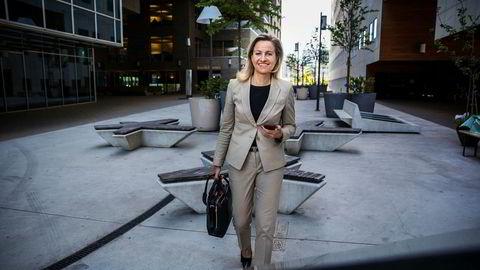 Reidun Tysseland (49) leder for DNB Private Banking er bekymret over at mange dyktige kvinner i finans risikerer karriereknekk etter endt permisjon.