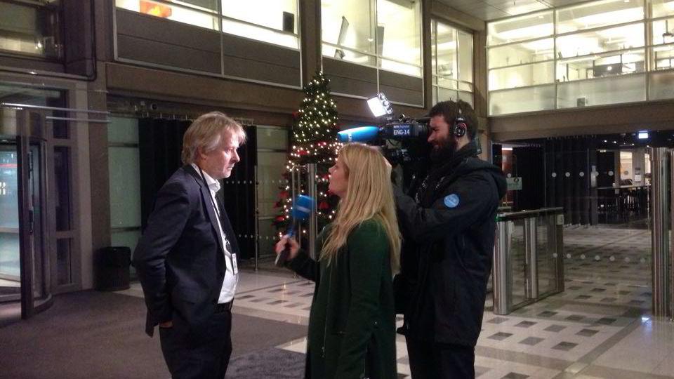 Torry Pedersen svarte på spørsmål fra NRK etter allmøtene med de ansatte i VG torsdag ettermiddag.