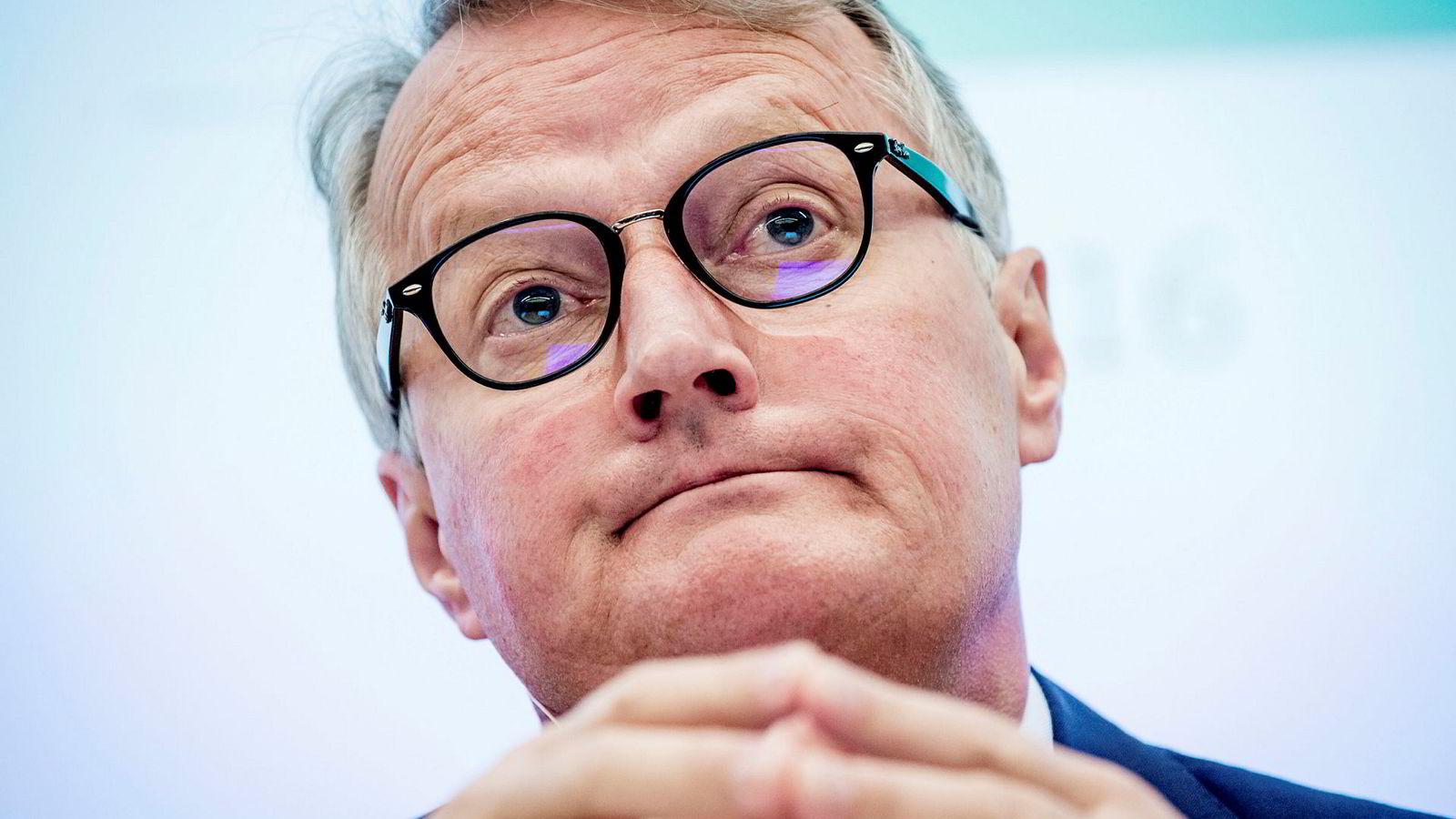 Konsernsjef Rune Bjerke i DNB har i løpet av sin tid som toppsjef kuttet fondshonorarene på DNB Norge-fondene med nær 60 prosent.