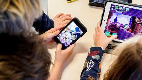Mobil og Ipad er på full fart inn i klasserommene.