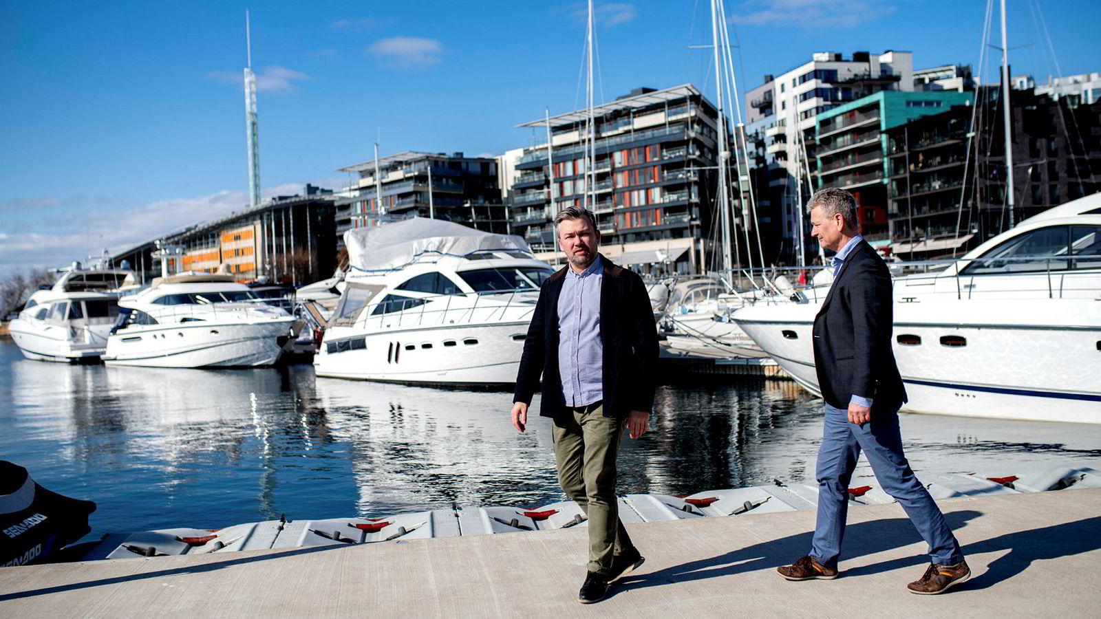 Gründerne i Kruser, Christer Ervik, til venstre, og Thorbjørn Rekdal starter opp et tilbud for båtdeling i Oslofjorden i år. Foto: Fartein Rudjord