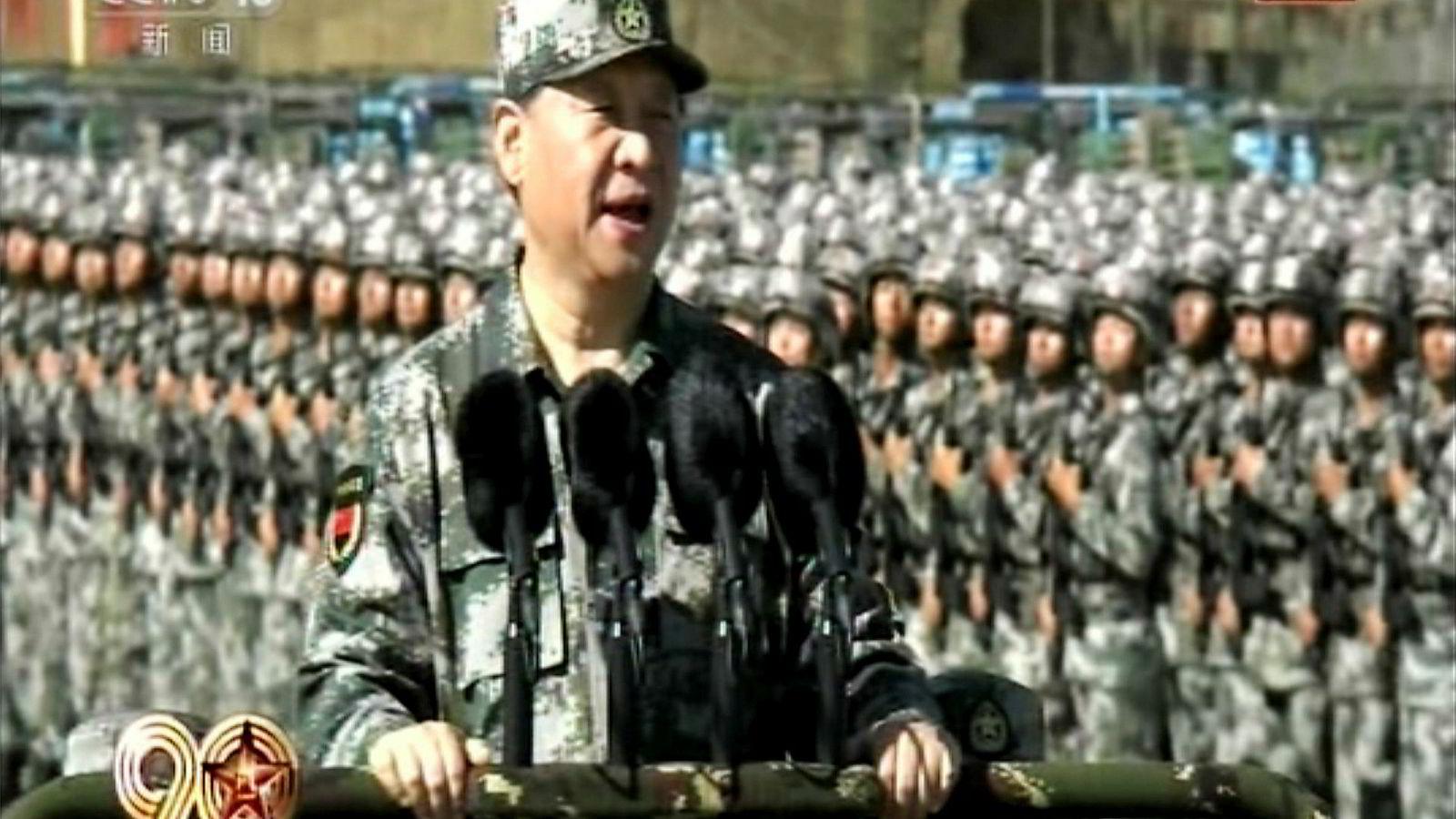 En kampklar kinesisk president inspiserte folkehæren i helgen. Xi Jinping har modernisert hæren, og den skal være kampklar på kort varsel.
