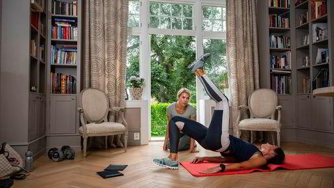 Helle trener hjemme i villaen på Oslo vest sammen med personlig trener Janne Eikeland. I tillegg spiller hun tennis, sykler og trener styrke og intervall.