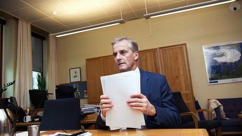 Arbeiderpartiet gikk til valg på at det skulle bli færre kommuner. Men Ap-leder Jonas Gahr Støre har latt seg drive med vinden. Foto: Elin Høyland