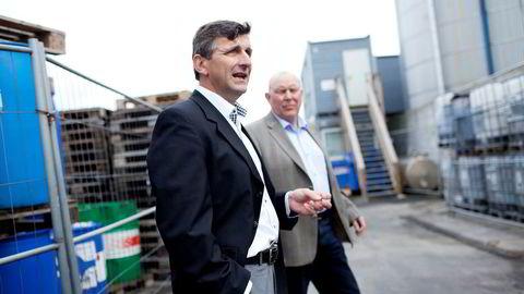 SAR og konsernsjef Per Kristian Nagell saksøker Statoil. I bakgrunnen markedsdirektør Terje Bakka. Foto: Tomas Alf Larsen