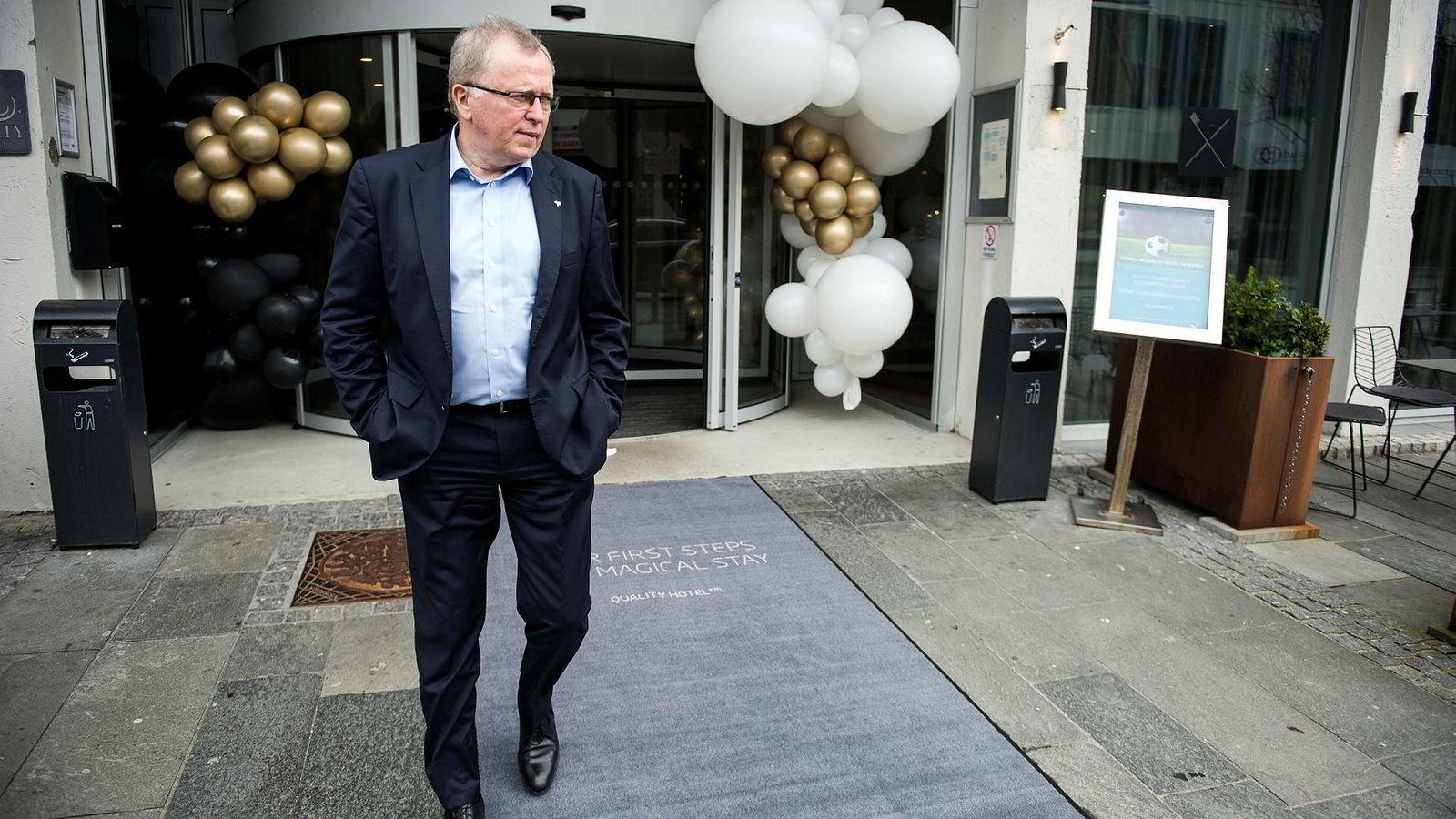 – Det har litt med hvor selskapet vokser fremover å gjøre. Det blir veldig mye utenfor Norge, sier Equinor-sjef Eldar Sætre til DN etter sitt innlegg på en ledelseskonferanse i Sandnes fredag.