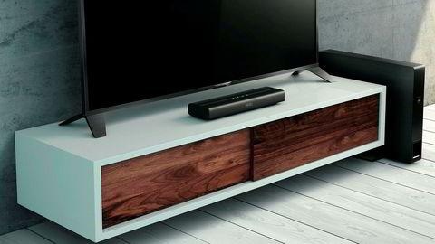 Selv rimelige lydplanker hever tv-lyden mange hakk. Ikke trenger de å være store og stygge heller.