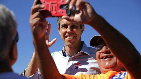 Demokraten Beto O'Rourke kan vinne en sensasjonell seier mot republikaneren Ted Cruz i senatsvalget i Texas.