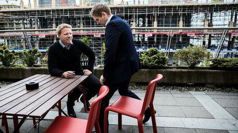 Administrerende direktør Eivind Helgaker i Ice (til venstre) jubler over veksttall, mens statssekretær Reynir Jóhannesson (Frp) er ekstrem fornøyd med investeringstakten av tjenester i det norske elektroniske kommunikajsonsmarkedet. Foto: Per Thrana