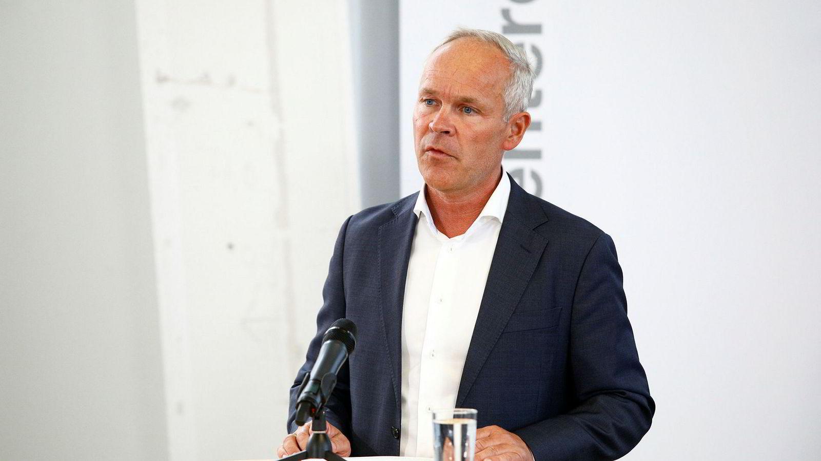Kommunal- og moderniseringsminister Jan Tore Sanner (H) har langt igjen til målene enkelte nevner.