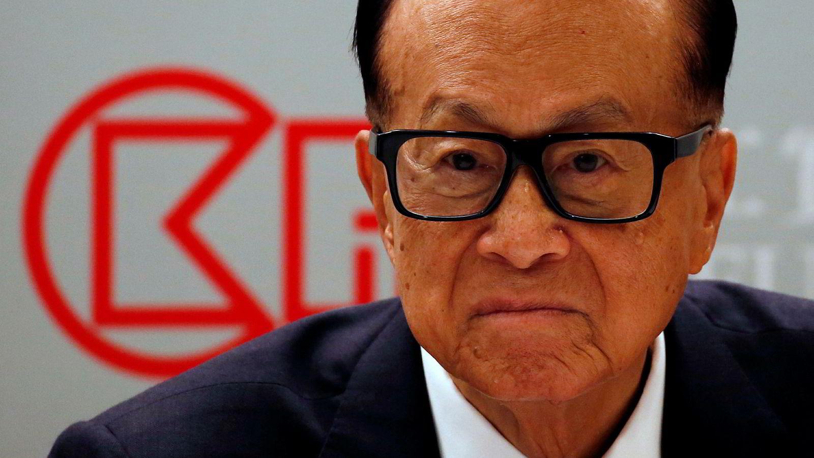 Den Hongkong-baserte mangemilliardæren og tidligere styrelederen i CK Hutchsion, Li Ka-shing, er blant dem er blitt hardest rammet av børsfallet etter uroen i Hongkong.
