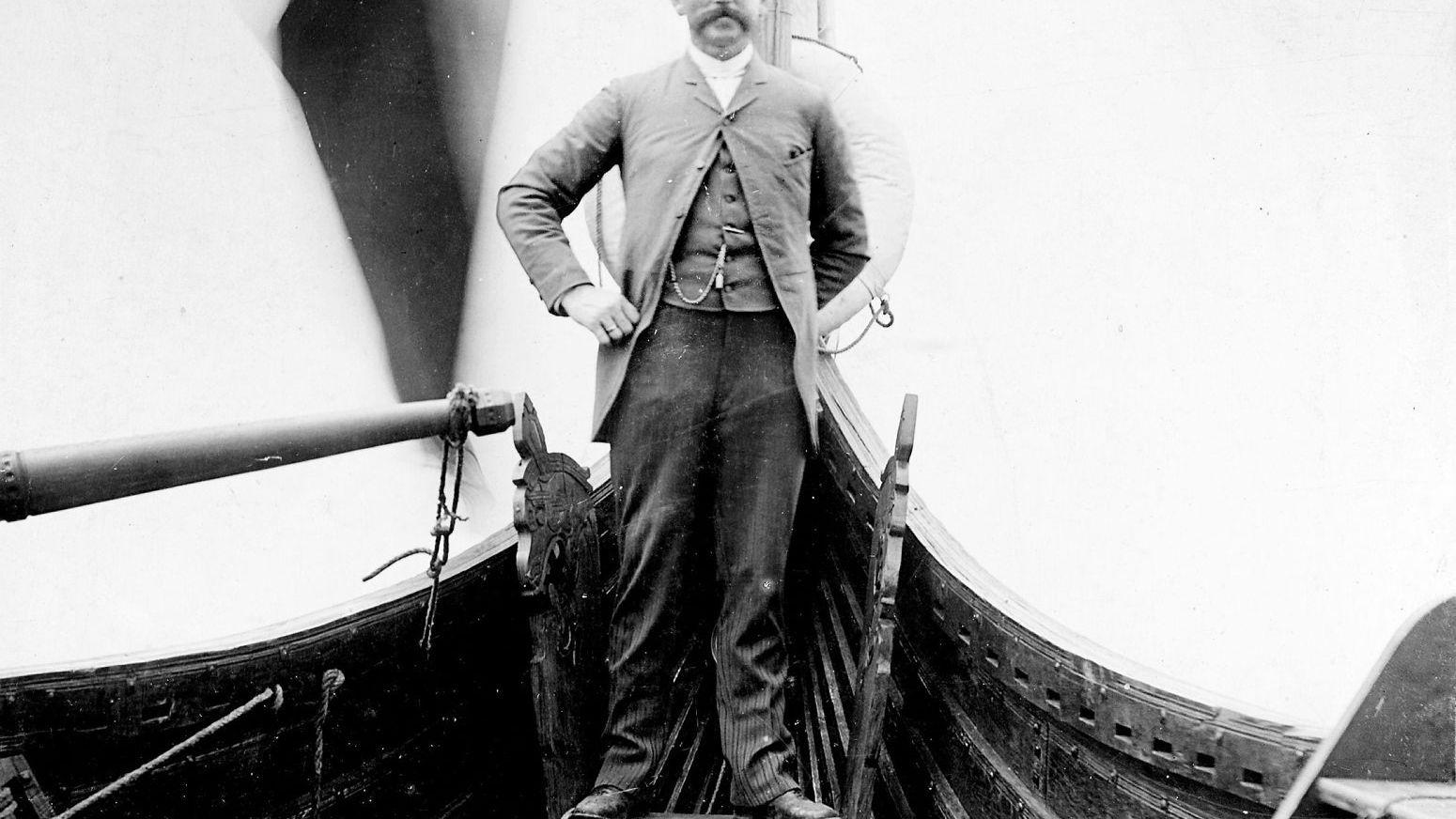 Grunnlegger og sjefredaktør i Norges Sjøfartstidende (senere NHST), kaptein Magnus Andersen.
