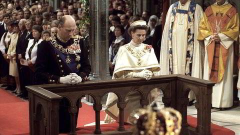 Torsdag er det festgudstjeneste i Nidarosdomen for å markere at det er 25 år siden kong Harald og dronning Sonja ble signet. Seremonien har sine røtter i før-demokratisk tid.                       Foto: Bjørn Sigurdsøn /
