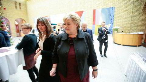 Kommunikasjonssjef ved Statsministerens kontor, Trude Måseide (til venstre) er en av de sterkeste søkerne til jobben som kommunikasjonssjef i Utenriksdepartementet.