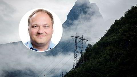 Analysesjef Tor Reier Lilleholt i kraftanalysebyrået Wattsight mener at de ekstreme kursbevegelsene i kraftmarkedet tyder på at mange andre aktører havner i lignende skvis som Einar Aas og blir nødt til å selge.
