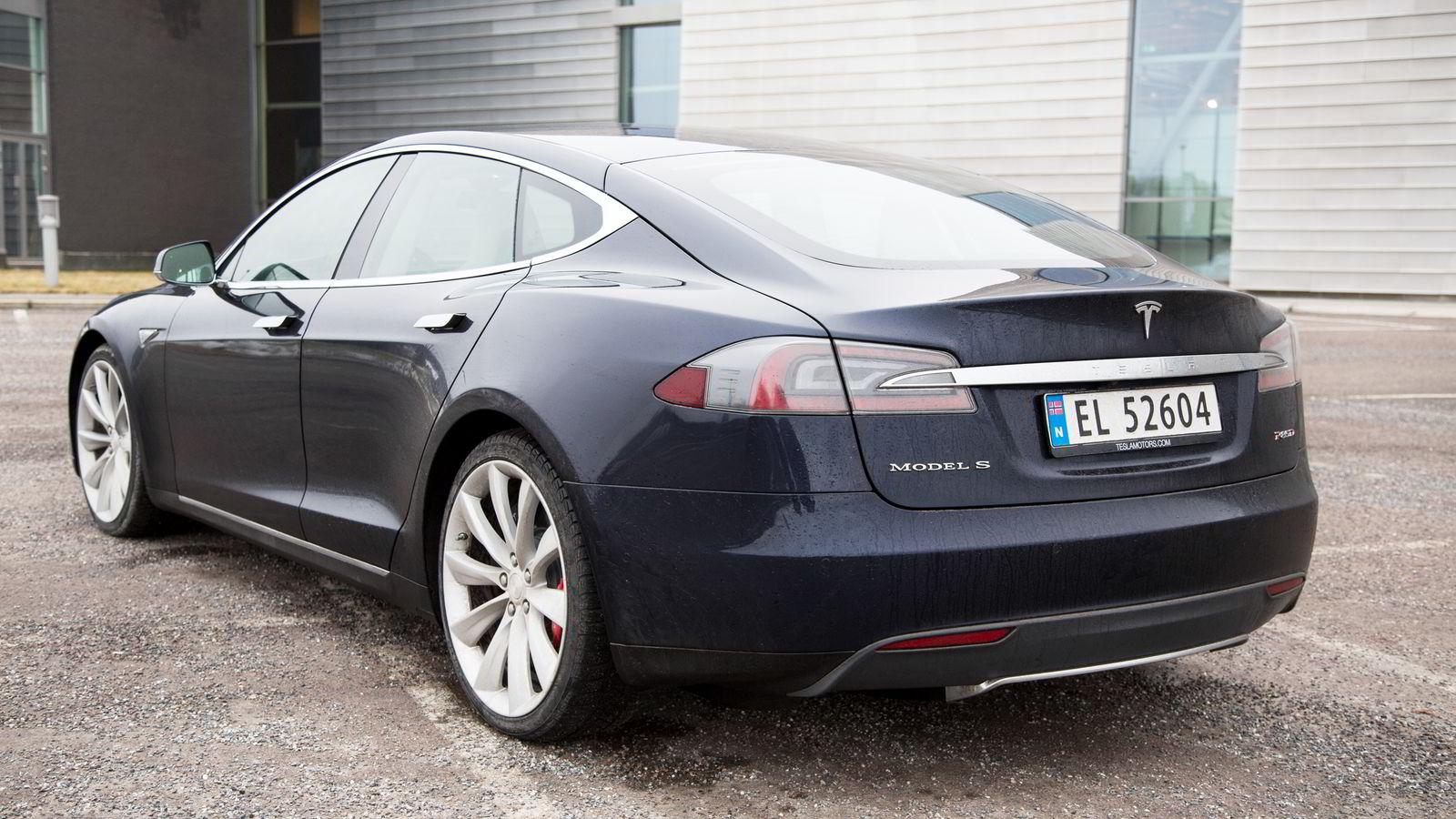 NYE REGLER. Samarbeidspartiene mener endringene sikrer en mer miljøvennlig bilpark. Illustrasjonsbilde av Tesla S. FOTO: Hege Hegle