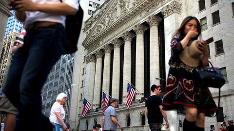 Tidligere vinnere har en tendens til å gjøre det dårligere enn markedet, mens tidligere tapere har en tendens til å gjøre det bedre enn markedet, ifølge en studie som undersøkte aksjer på New York Stock Exchange (avbildet) over treårs perioder, skriver artikkelforfatteren.