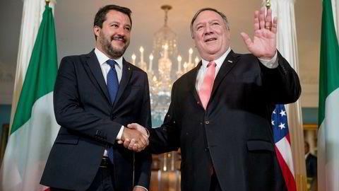 Italias visestatsminister Matteo Salvini er på USA-besøk. Her møter han USAs utenriksminister Mike Pompeo.