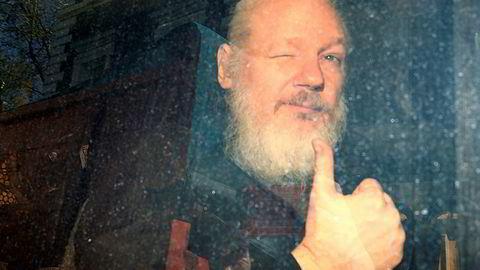 Wikileaks-grunnlegger Julian Assange etter arrestasjonen i London sist måned.