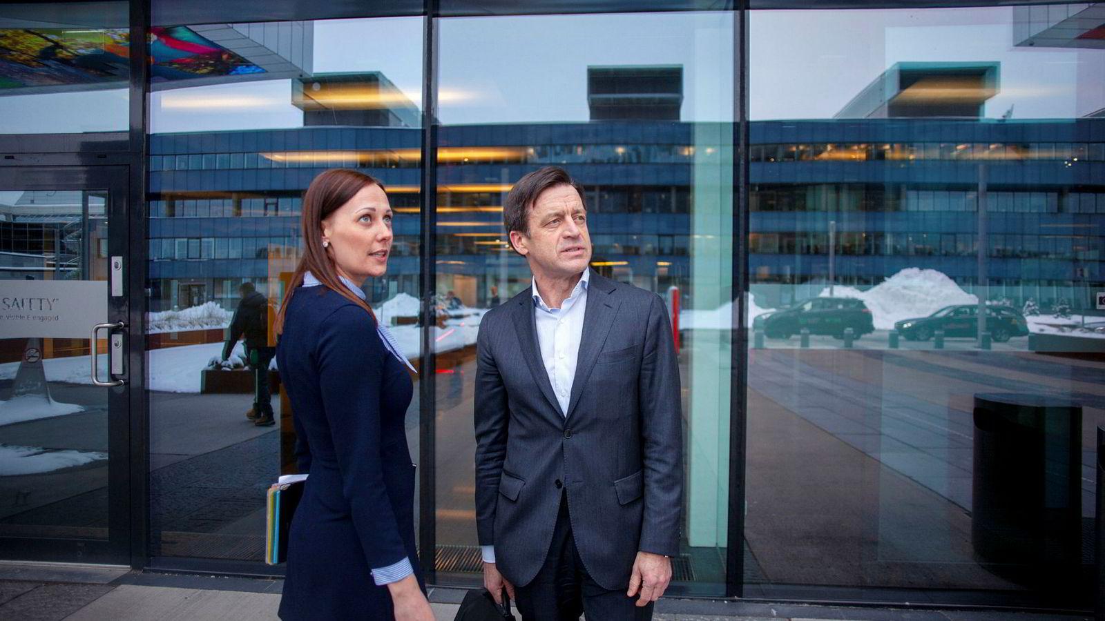 Advokat Hilde Alexandra Grønland Kuburic og Hans Henrik Klouman, juridisk direktør i Equinor, sa i lørdagens DN at de ikke vil gi rammeavtaler til selskaper med få kvinnelige advokatpartnere.