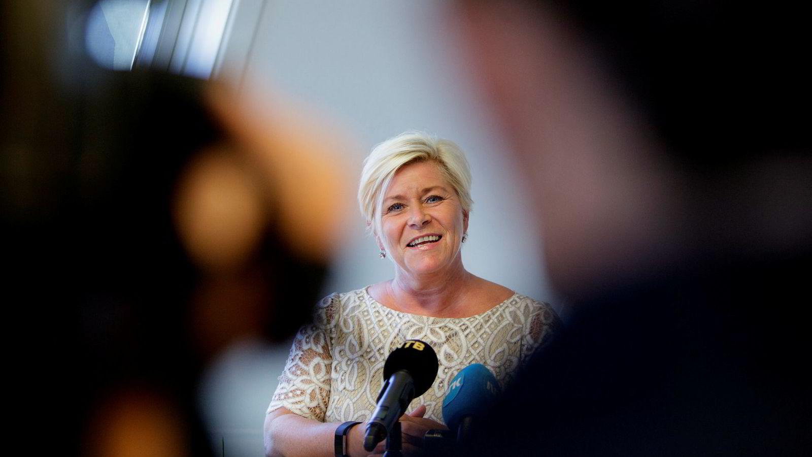 Finansminister Siv Jensen øker aksjerabatten i formuesskatten fra 20 til 25 prosent når statsbudsjettet legges frem mandag.