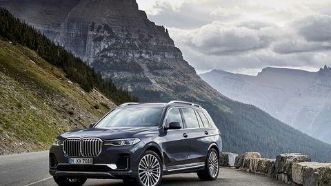 Med en lengde på 515 centimeter ruver BMW X7 godt i terrenget.