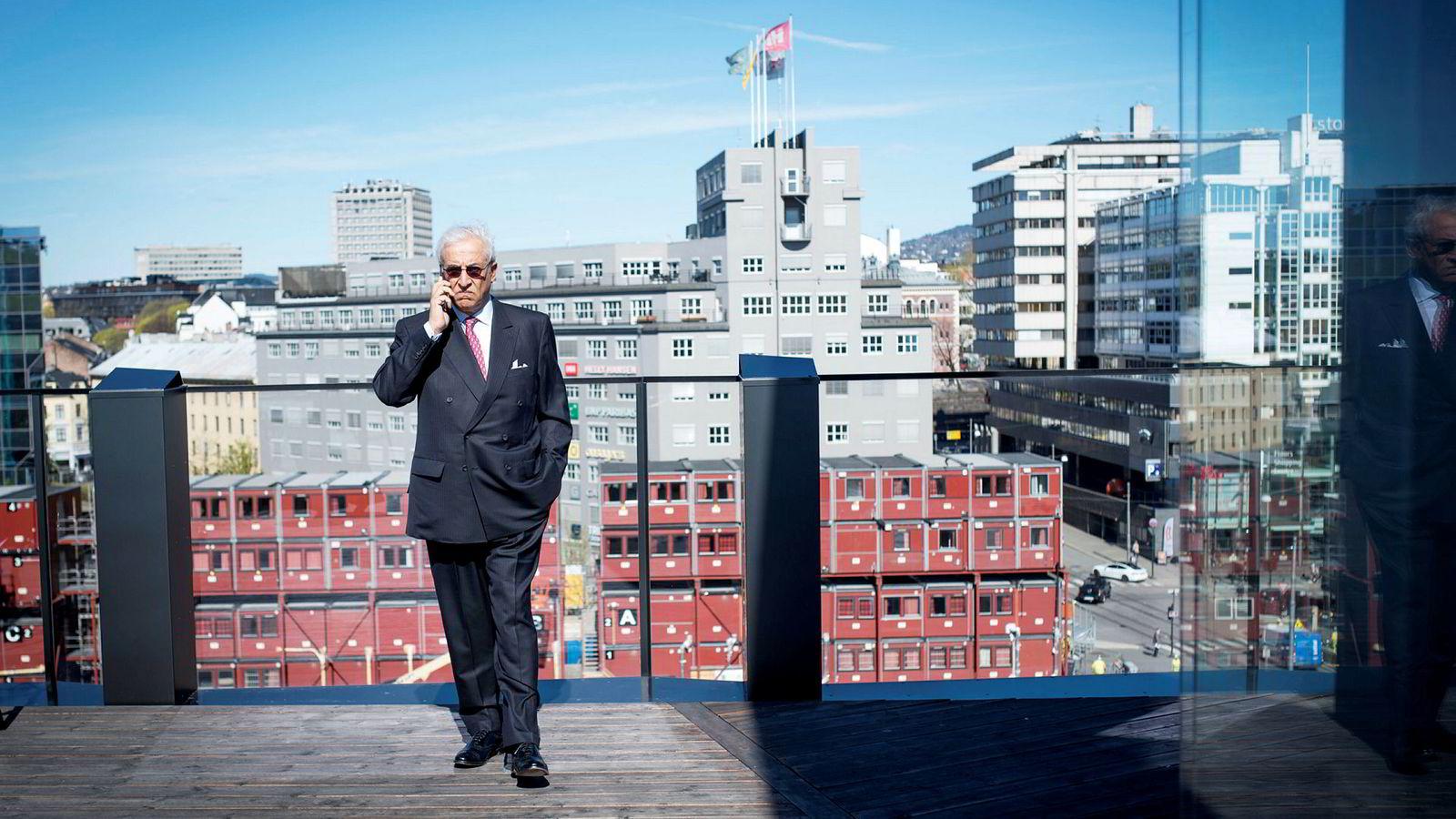 Styreleder og største eier i DNO, Bijan Mossavar-Rahmani, vil ha en styreplass i Faroe Petroleum.