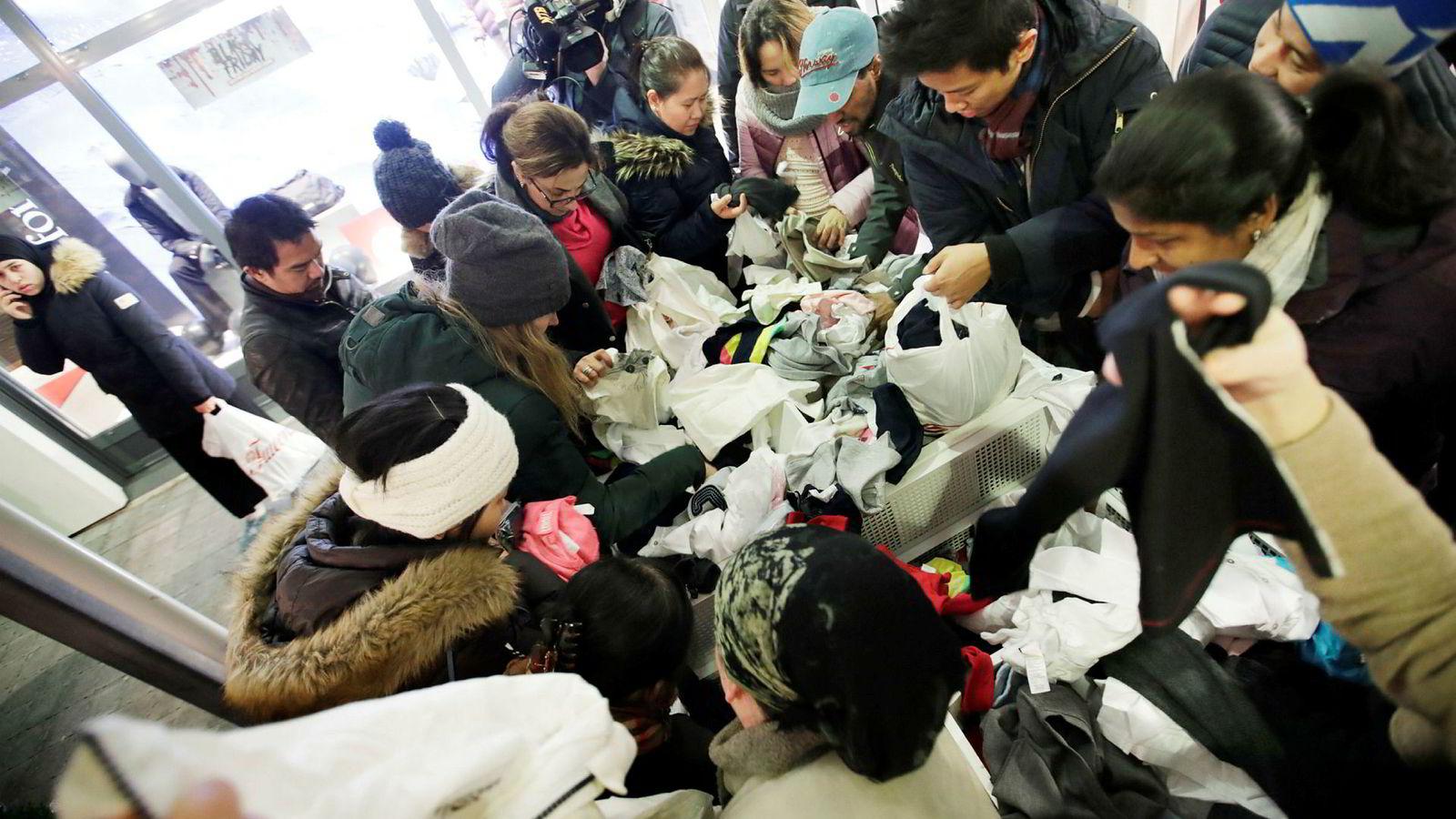 Mange fremmøtte kunder på Vestby i forbindelse med Black Friday.